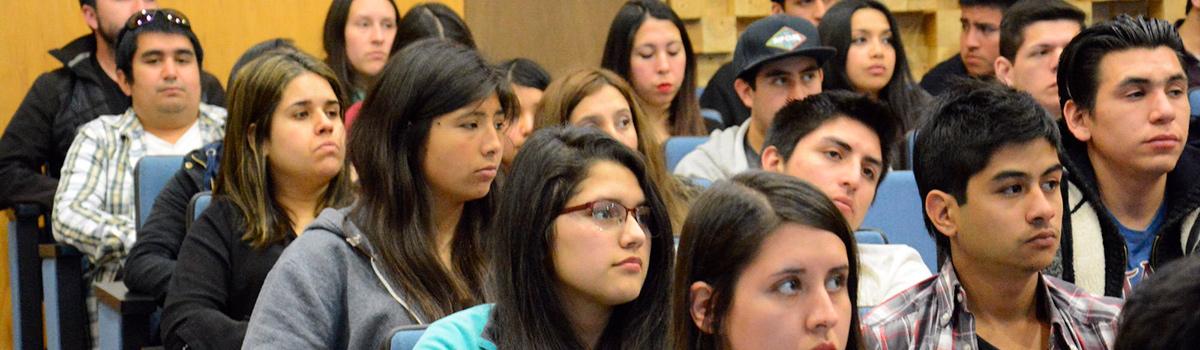 Face motivó a comunidad UBB con seminario sobre inversión socialmente responsable