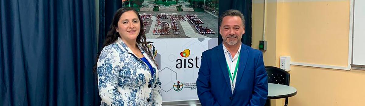 Exponen estudio sobre gestión del conocimiento en universidades en Congreso de Ecuador